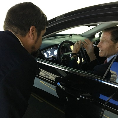 senator blumenthal discusses autonomous vehicle safety with uconn engineering professor eric jackson uconn officials