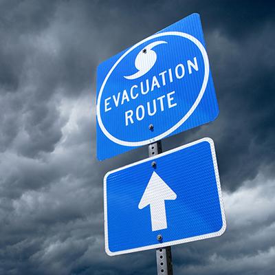http://news.engr.uconn.edu/wp-content/uploads/HurricaneEvacuationSigniStock_000020673463_Large.jpg