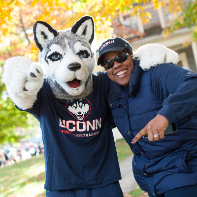 http://news.engr.uconn.edu/wp-content/uploads/alumni-fall.jpg