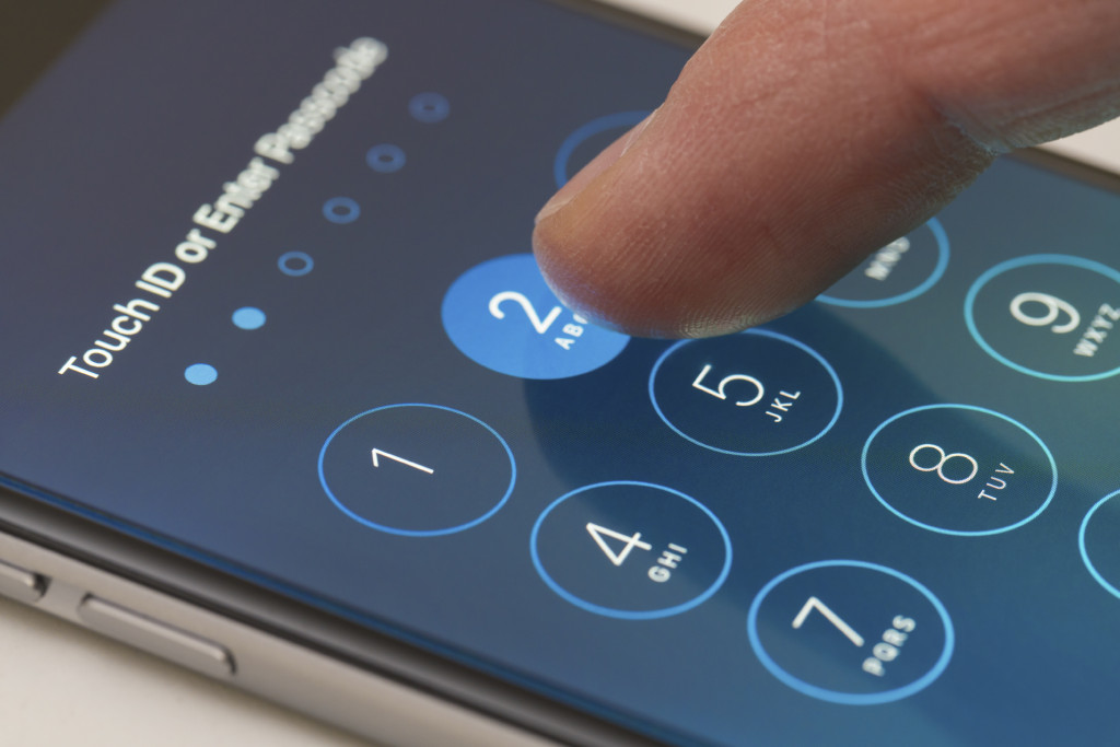 A UConn cybersecurity expert explains why Apple is resisting the court order to crack open a mass shooter's iPhone. (iStock Photo)